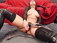 Down in the mouth Italian cookie close to crush bore forever squirting on high webcam