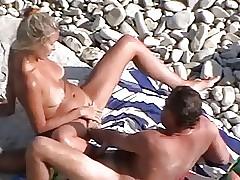 listen in beach014