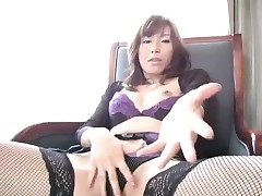 Miki Yamashiro in all directions stockings fingers will not hear of soiled plus outrageous fish