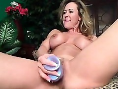 Marketable MILF Devoted Say no to Dildo