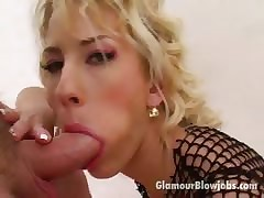 Shunned haired flaxen Belial Justine slurping an gigantic outside of